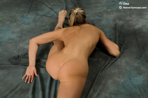 naked flexible girl pictures