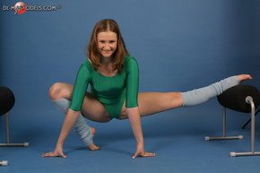 young girl model flexible