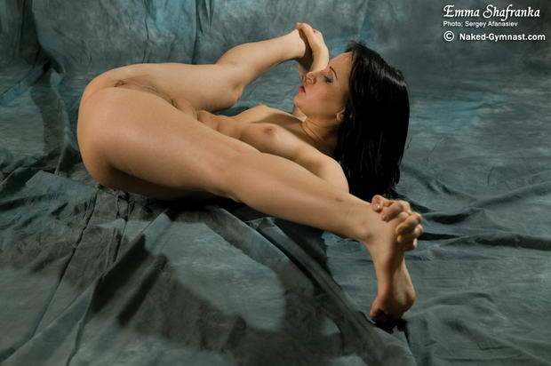 russian nude flexible girls